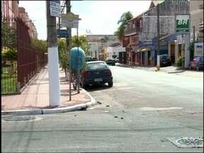 Uma jovem de 19 anos morre num acidente em Pelotas - Outra jovem que estava numa moto ficou ferida; motorista de um carro estaria embriagado