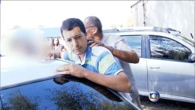 Prefeito de São Sebastião do Alto é preso em flagrante com R$ 100 mil de propina - O prefeito de São Sebastião do Alto, Mauro Henrique (PT), foi preso em flagrante quando recebia R$ 100 mil de propina