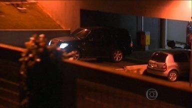 Renato Duque vai prestar depoimento na Câmara dos Deputados - O depoimento do ex-diretor de Serviços da Petrobras, preso na sede da PF, em Curitiba, vai depor esta manhã (19) na CPI da Petrobras, em Brasília.