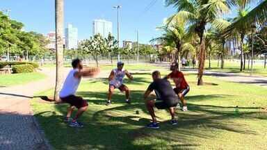 Exercícios da calistenia ganha adeptos no ES - Atividade física usa o peso do próprio corpo.