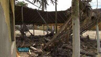 Morre dono de barraca de praia que desabou sobre ele em Fortaleza - Empresário Sílvio Rogério visitava barraca de praia quando estrutura caiu.