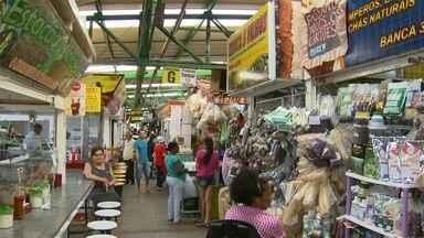 DFTV celebra o aniversário de Ceilândia - Um grupo de sanfoneiros parabenizou a cidade. A cidade é marcada por muitas feiras, que atrai vendedores e consumidores de todo o Brasil.