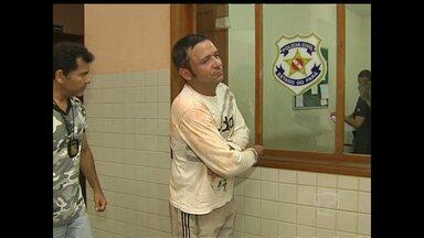 Homem é preso pela Lei Maria da Penha no bairro Santarenzinho - Suspeito tentou invadir a casa da ex-companheira e ameaçou atear fogo no local.
