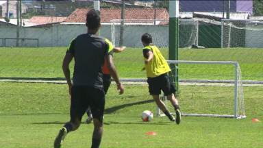 Coritiba aproveita folga na Copa do Brasil para treinar para o Paranaense - Técnico Marquinhos Santos ainda trabalha no time que enfrenta o Cascavel, no próximo domingo