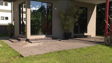Pesquisador da UTFPR constrói casa sem usar água - Construções convencionais do mesmo tamanho consomem entre três e cinco mil litros.