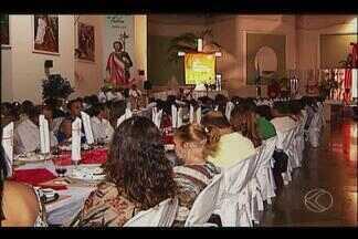 Ceia judaica reúne 250 pessoas na paróquia São Judas Tadeu em Uberlândia - Este é o sexto ano que o ritual acontece na cidade.