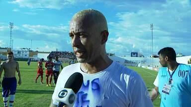 Junior fala sobre bola na trave em Juazeiro - Confira no vídeo.