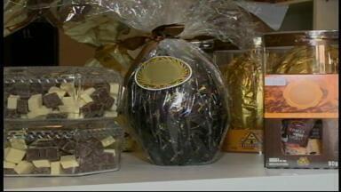 Saiba como manter a dieta com o chocolate do Feriado de Páscoa - O chocolate com maiores níveis de cacau são mais saudáveis.