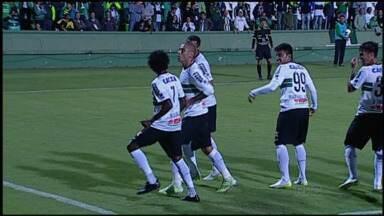 Coritiba passa fácil pelo Cascavel - Mais uma vitória do Coxa, desta vez no Couto Pereira, que viu mais um gol do jovem artilheiro Rafhael Lucas