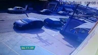 PM é morto a tiros no ABC Paulista - O policial militar foi morto em plena luz do dia em Santo André. Uma câmera de segurança gravou o crime.