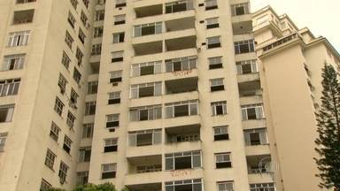 Marcada reintegração de posse do prédio da Avenida Rui Barbosa - O edifício Hilton Santos, onde funcionava a antiga sede do Clube de Regatas do Flamengo, estava abandonado. O prédio foi ocupado há seis dias por famílias que foram expulsas de um, terreno da Cedae, na Via Binário.