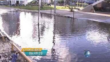 Flagrante do Radar: Água limpa é empossada em estacionamento de Salvador - Confira nas imagens.