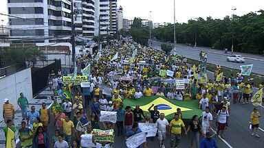 Centenas de pessoas se reúnem em protesto contra corrupção em Aracaju - Centenas de pessoas se reúnem em protesto contra corrupção em Aracaju.