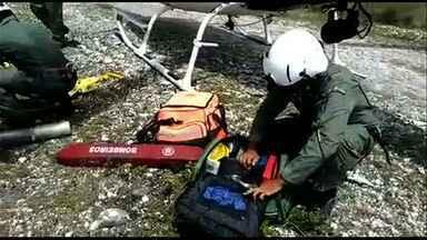 Homens ficam feridos após carro cair em ribanceira em Campo do Brito - Homens ficam feridos após carro cair em ribanceira em Campo do Brito.