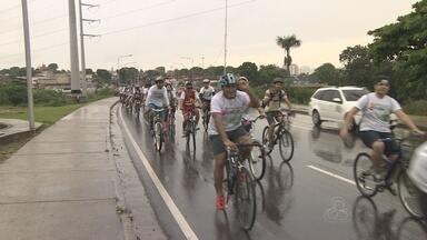 Passeio ciclístico é realizado em ruas de Manaus - evento busca levar integração social e promover a saúde por meio de atividades físicas.