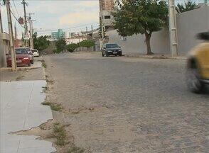Moradores reclamam da falta de sinalização no Bairro Indianópolis, em Caruaru - Velocidade de veículos que passam pela Rua Manoel Nunes Filho preocupa os moradores.