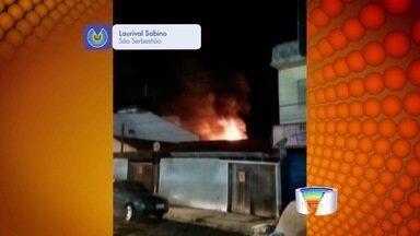 Incêndio atinge oficina de motocicleta em São Sebastião - Fogo levou cerca de três horas para ser controlado.