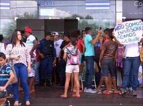 Famílias vão para o prédio da Prefeitura de Palmas protestar contra desocupação - Famílias vão para o prédio da Prefeitura de Palmas protestar contra desocupação