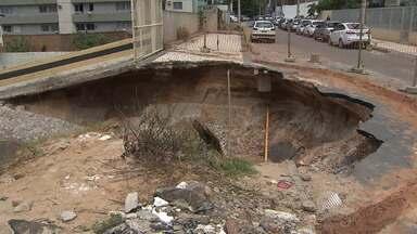 Salvador ainda tem ruas interditadas por conta dos efeitos da chuva - Confira os pontos com problemas.