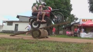 """Gincana com motos mobiliza jovens no AM - Brincadeira"""" acontece em Apuí, município a 435 km de distância da capital."""