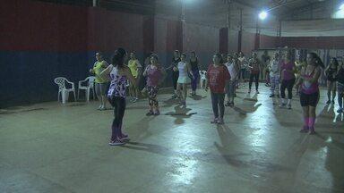 Ritmo 'Zumba' conquista adeptos em Porto Velho - Ritmo envolve diversas danças latinas.