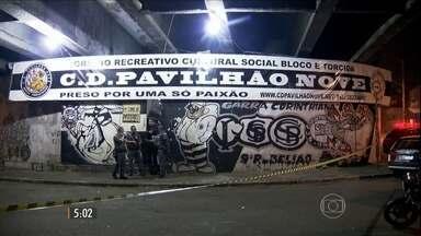 Polícia procura suspeitos por chacina na sede de torcida organizada do Corinthians - Oito pessoas foram assassinadas enquanto preparavam bandeiras para o clássico contra o Palmeiras.