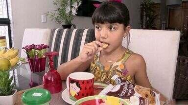 Endrocrinologista do ES fala sobre colesterol alto na infância - Segundo o Ministério da Saúde, quatro em cada dez brasileiros têm mais gordura no sangue que o normal.
