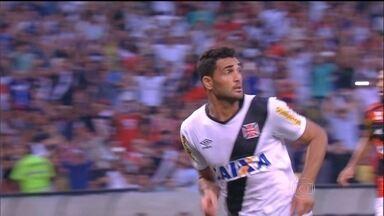 Vasco quebra jejum e vai encarar o Botafogo na final do Carioca - Depois de três anos, o Cruz-maltino conseguiu derrotar o Flamengo, no Maracanã, por 1 a 0.