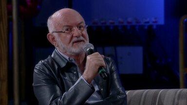 Sílvio de Abreu diz que cena de Vale Tudo foi um momento importante para a TV brasileira - Autor relembra momento em que houve uma discussão se valia a pena ser honesto ou não
