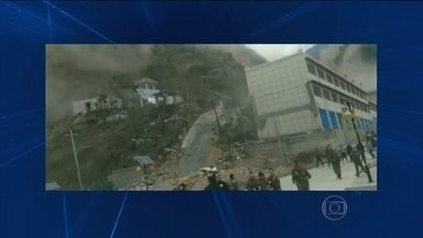 Imagens de sobrevivente mostram terremoto no Tibete - O tremor deixou 25 mortos no Tibete e 72 na Índia.
