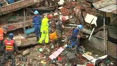 Passa de 5 mil o número de mortes provocadas pelo terremoto no Nepal - Especialistas acreditam que esse número pode dobrar.