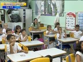 Projeto quer tornar a disciplina de libras obrigatória nas salas de aula de Blumenau - Projeto quer tornar a disciplina de libras obrigatória nas salas de aula de Blumenau
