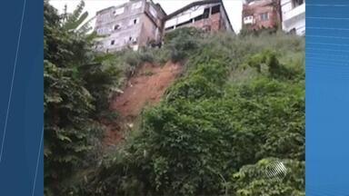 Moradores da Pedra Furada enviam imagens de deslizamento de encosta no local - Apesar do susto, não há relatos de feridos; veja nas imagens.