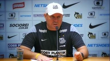 Marcelo Fernandes faz extenso agradecimento após título do paulista - Técnico vira alvo de brincadeiras dos jogadores durante a coletiva