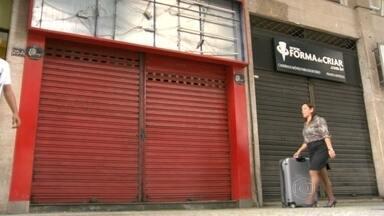 Aluguéis caros e queda nas vendas provocam o fechamento de lojas em ruas do Rio - Trinta lojas comerciais fecharam as portas no último ano em Ipanema e no Leblon, bairros valorizados da cidade.