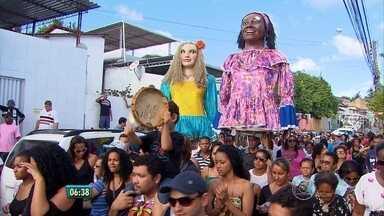 Corpo da cantora Selma do Coco é enterrado em Olinda - Sepultamento ocorreu no cemitério de Guadalupe.