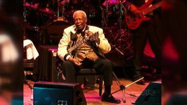 Morreu nessa madrugada aos 89 anos, em Las Vegas, o Rei do Blues - B.B. King tinha diabetes e morreu em decorrência a complicações da doença.