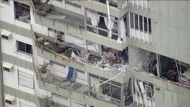 Explosão em apartamento no Rio atinge todos os andares de um prédio - A explosão foi tão forte que atingiu prédios vizinhos. Um especialista diz que vazamento de gás é a causa mais provável da explosão.
