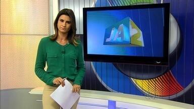 Veja os destaques do Jornal Anhanguera 2ª Edição desta segunda-feira (18) - Morte de taxista provoca protesto da categoria em Goiânia. Eles fizeram carreata pela BR-153.