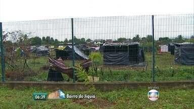 Operação policial desocupa terreno no bairro do Jiquiá - Terreno foi ocupado no início de maio por 1.500 famílias.