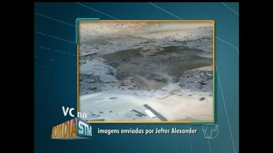 Mau-cheiro de esgoto incomoda moradores no bairro Caranazal em Santarém - Segundo moradores, esgoto sanitário se rompeu e água vaza na rua.
