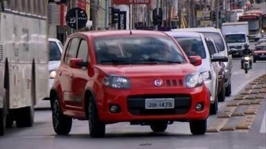 Redação Móvel fala das novidades no trânsito de Taguatinga - O governo está pensando em mudanças intensas para a Avenida Comercial e Sandu. As alterações alteram a rotina de comerciantes, moradores, passageiros e pedestres.