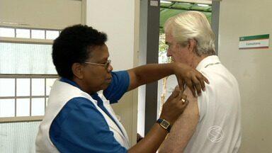 Procura pela vacinação contra gripe é baixa no Sul do Rio - Campanha Nacional termina na sexta-feira (22); meta do Ministério da Saúde é imunizar 80% do público-alvo. No litoral, quase 60% já foram vacinados.