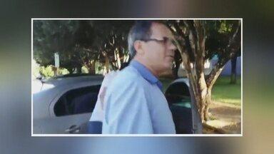Presidente da Câmara Municipal de Jaru é preso quando recebia propina - Um saco preto, com R$ 5.500 foi apreendido, no carro do parlamentar.Prisão aconteceu em frente à Câmara Municipal.