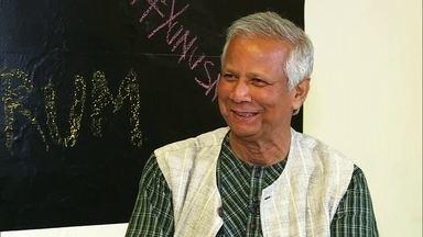 Muhammad Yunus, vencedor do Nobel, recebe Zeca do 'Lona na Lua' em São Paulo - Criador do conceito microcrédito, para acabar com a pobreza, conversa com Caldeirão