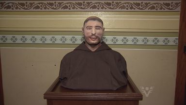 Basílica do Embaré recebe busto de Santo Antônio - Preparação da obra foi feita de uma maneira diferente da usual.