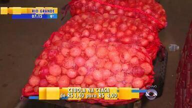 Preço da cebola aumenta 185% em 2015 - Quilo do alimento passou de R$ 1,40 para R$ 4.