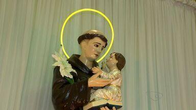 Missa é realizada em homenagem ao dia de Santo Antônio, no ES - Santo casamenteiro também dá nome a bairro de Vitória.