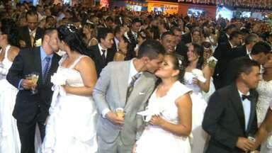 Casamento coletivo é marcado por histórias de amor, em Campina Grande - Conheça algumas histórias de casais.