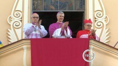 Dom Wilson Angotti assume cargo de bispo da Diocese de Taubaté, SP - Religioso tomou posse durante cerimônia na tarde deste sábado (13).